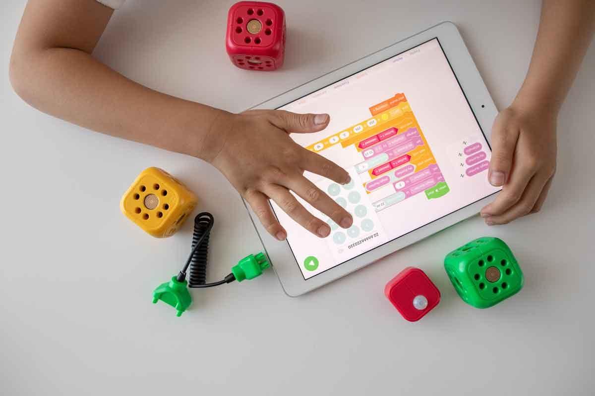 TV, jeux vidéo et tablettes : quel impact ont-ils sur la santé des enfants ?